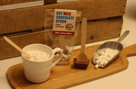 /products/milk-chocolate-and-marshmallow-hot-chocolate-spoons